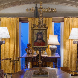 Gothic Sitting Room | Hearst Castle